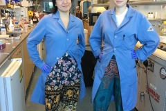 "Undergraduate Teresa and summer visiting student Natasa ""twinning"" in lab."
